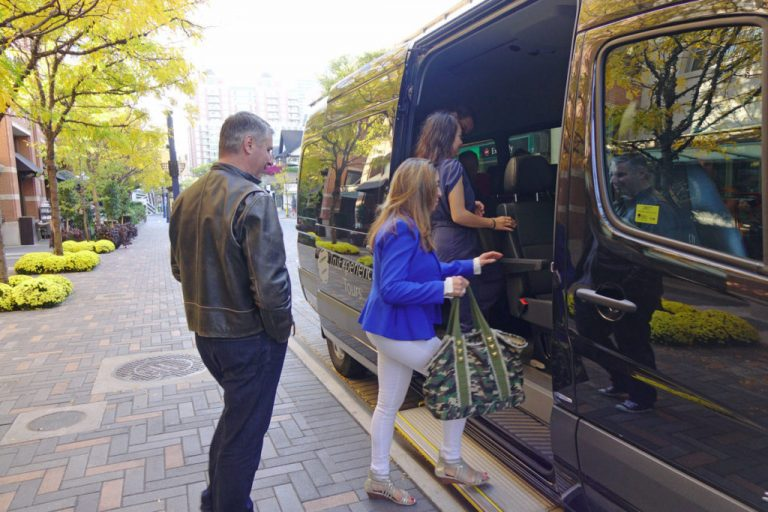 truexperiences tour vehicle